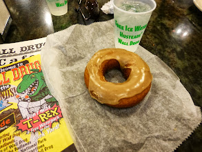 Photo: Their famous homemade donuts with the iconic free ice water. It didn't seem that thrilling getting my water from a typical soda dispenser, though. Come on guys, make it special!