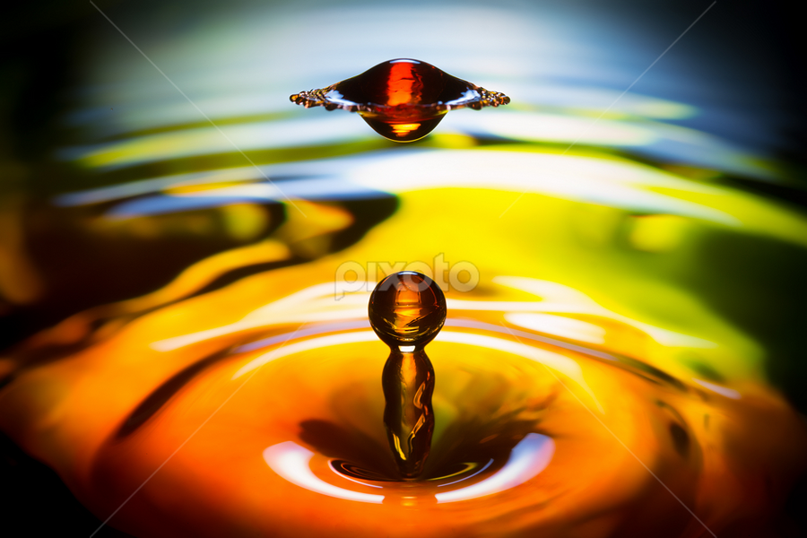 UFO by Carlos Esteban Solís Fallas - Nature Up Close Water ( water, waterdrop, drop, waterdrops )