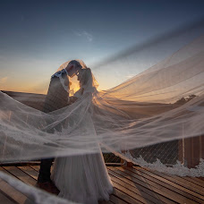Wedding photographer Ákos Erdélyi (erdelyi). Photo of 23.07.2018