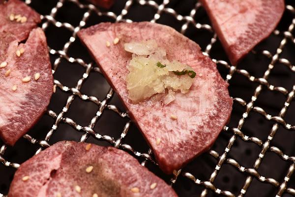 華屋燒肉~隱身巷內的日式燒肉,傳承20年歷久彌新的好滋味,台中和牛燒肉約會餐廳推薦!