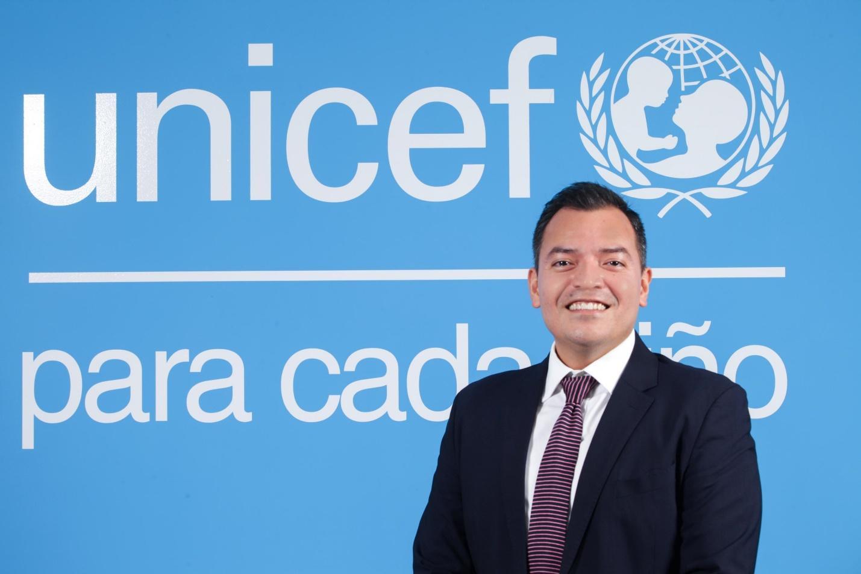 El especialista en políticas sociales de Unicef El Salvador, Jimmy Vásquez, dice que el gobierno debe abastecerse de alimentos, porque tras la cuarentenas puede caer la producción internacional de alimentos y eso puede encarecer la canasta básica. Foto, cortesía de UNICEF.