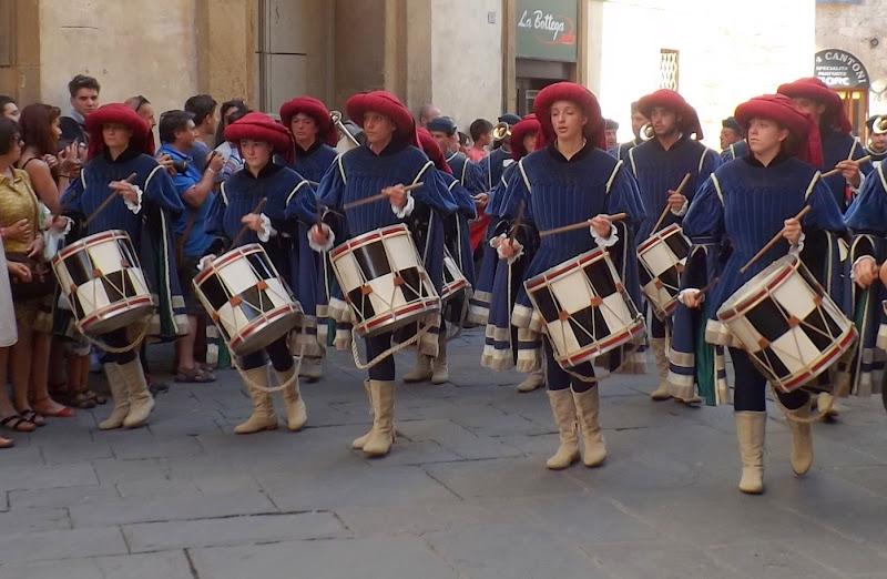 i tamburini chiamano alla festa di pilotto