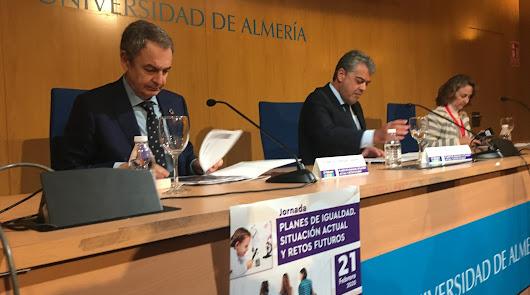 Zapatero en Almería: justifica las inversiones en el AVE