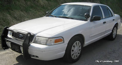 Photo: Lot 15 - (2991-1/4) - 2007 Ford Crown Victoria - 97,670 miles