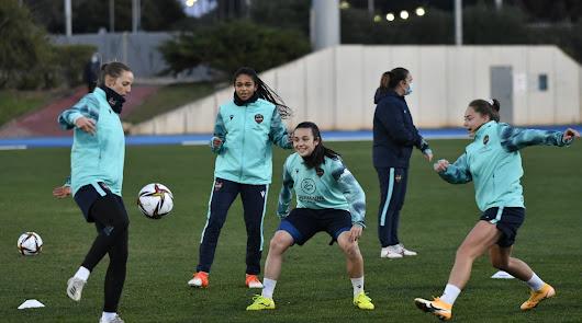 La Supercopa más almeriense se inicia con un  Levante-Logroño