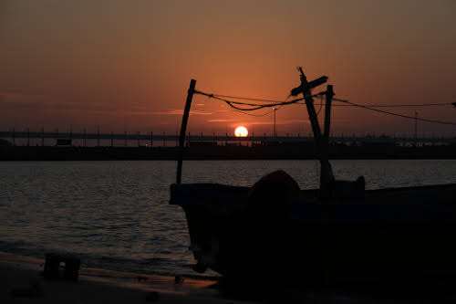 Things to Do in Iran Travel Guide Itinerary // Sunset over Hormuz Island