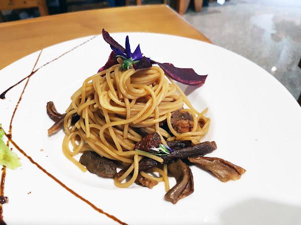 食蔬茶齋 || 台南素食餐廳||安平區 || 創意蔬食新紀元 || 精美藝品頂級滋味 ||食材講究美味秘訣 ||