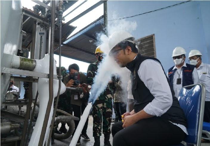 Produksi Oksigen di Pabrik Zat Asam 732 Lanud Iswahjudi DitinjauWagub Emil
