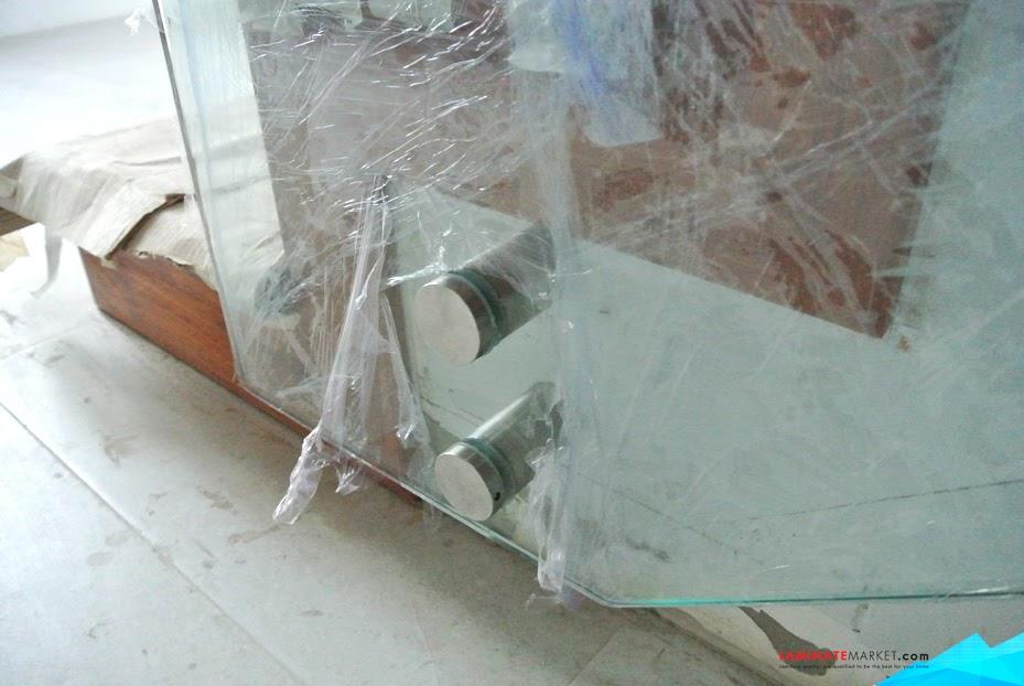 งานติดตั้งราวบันไดกระจกยึดผนังและราวกันตกกระจก หน่วยงาน ชัยภูมิ