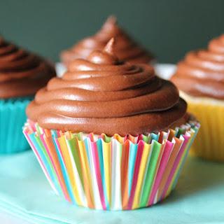 Simple Vanilla Cupcakes Recipe