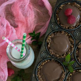 Mini Chocolate Mint Pudding Pies
