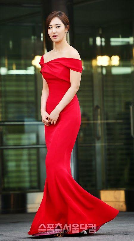 yuri gown 2