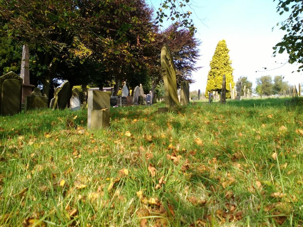 Longnor St Bartholomew Churchyard