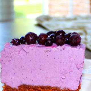 "Raw Vegan Blueberry Chocolate Crust ""Cheesecake""."