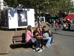 Photo: 1. den - Nejvyšší čas něco zakousnout (Place Guillaume II. - Luxembourg)