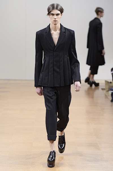 Photo: LOOK TWENTY SIX J.W.ANDERSON AW 2014 MENS SHOW http://www.j-w-anderson.com/1/fall-2014/collection.html