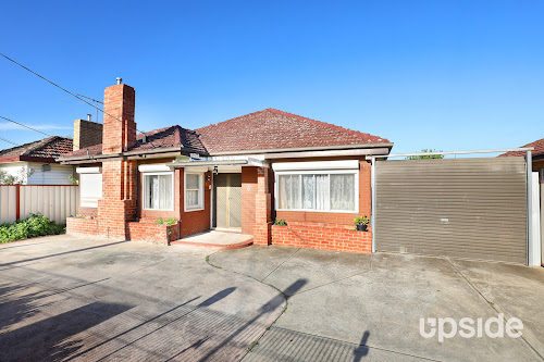 Photo of property at 6 Beaver Street, St Albans 3021