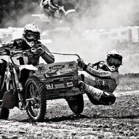 by Mike Ross - Black & White Sports ( mud, motocross, mike ross, milton malsor, hanging on, sidecars, mx, acu,  )