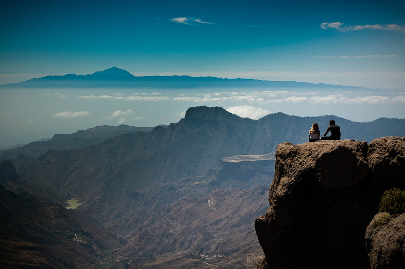 Photo: A photo taken from one of the highest points of Gran Canaria, Roque Nublo, with an amazing view to the valley bellow and to the neighbour island Tenerife to the west with the vulcano Teide hovering above the clouds. It turned out to be my most expensive shot so far, as I lost my mobile over the edge, changing memory card...