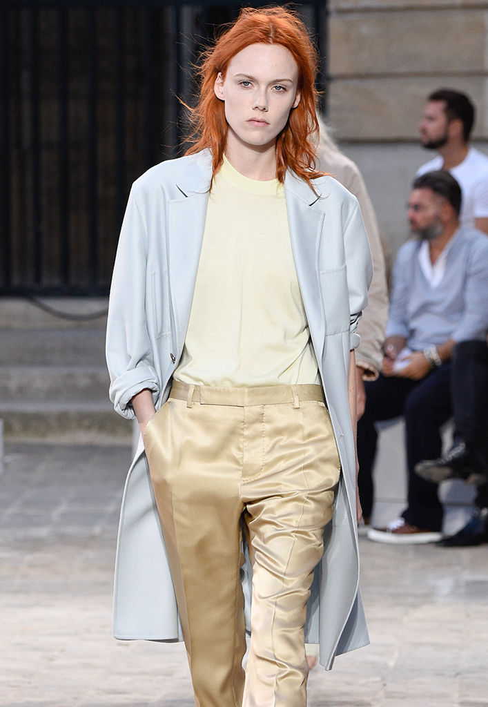 Kiki Willems walks the runway during the Berluti Menswear Spring/Summer 2018 show
