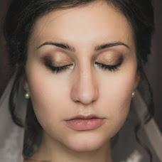 Wedding photographer Polina Rumyanceva (polinahecate2805). Photo of 19.01.2018