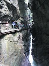 Photo: ..des Wassers Kraft zersägt auch harten Felsen..