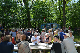 Photo: Deltagere i Grundlovsfesten