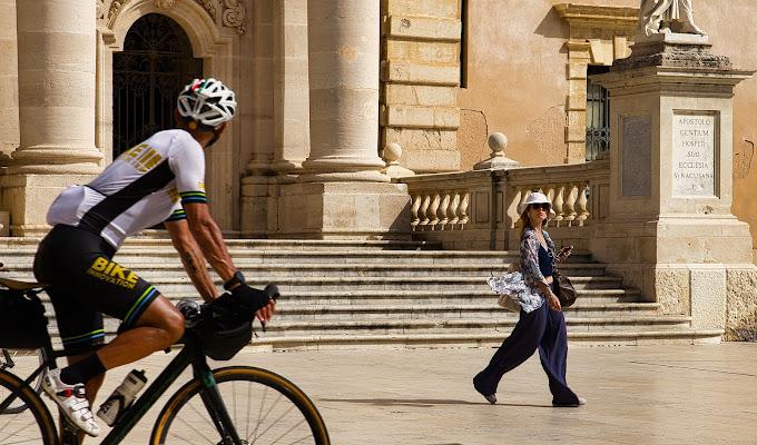 Occhio Mr. Bike che vai a sbattere.... di AntoMarPh