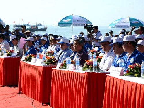 Bãi biển Mỹ Khê Quảng Ngãi tổ chức mít tinh tuần lễ biển