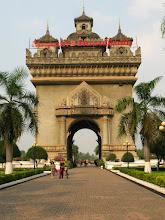 "Photo: Ratuxai - ""Arc de Triomphe"" in Lao style (Vientiane)"