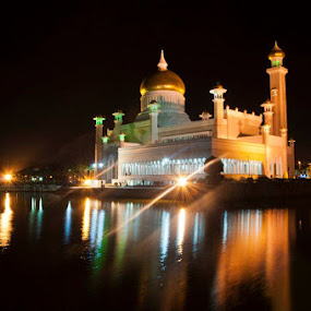 Mosque by Edio Pathic - Landscapes Starscapes