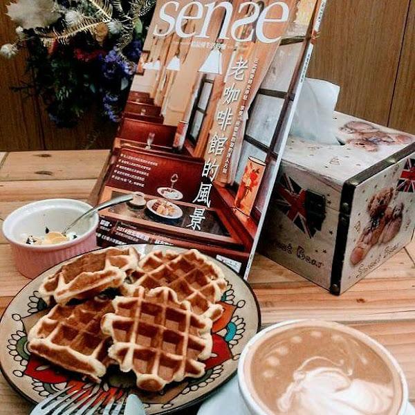 環境的氛圍很棒,鬆餅、甜點、咖啡,都很棒喔!