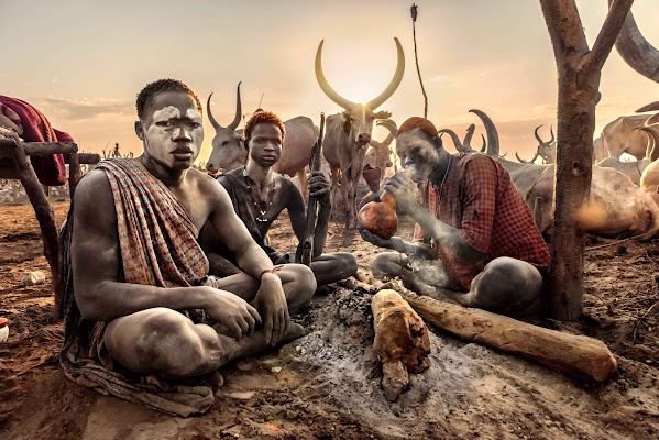 We are Mundari di Roberto Pazzi