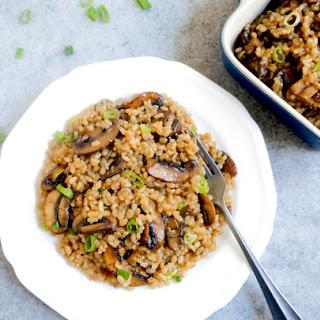 One-Pot Brown Rice & Mushroom Pilaf – Instant Pot & Stovetop Recipe