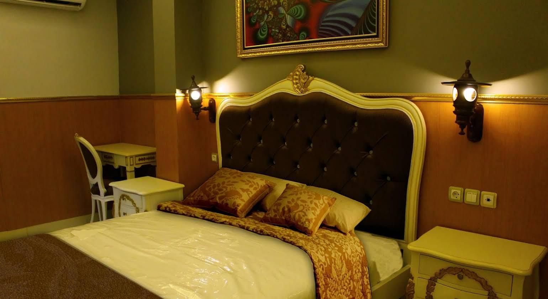 Grand Batik Inn