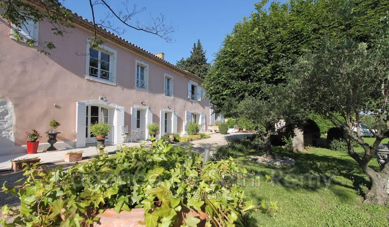 Villa avec piscine et terrasse Chateaurenard