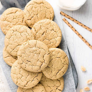 Healthy Practically Flourless Peanut Butter Cookies.