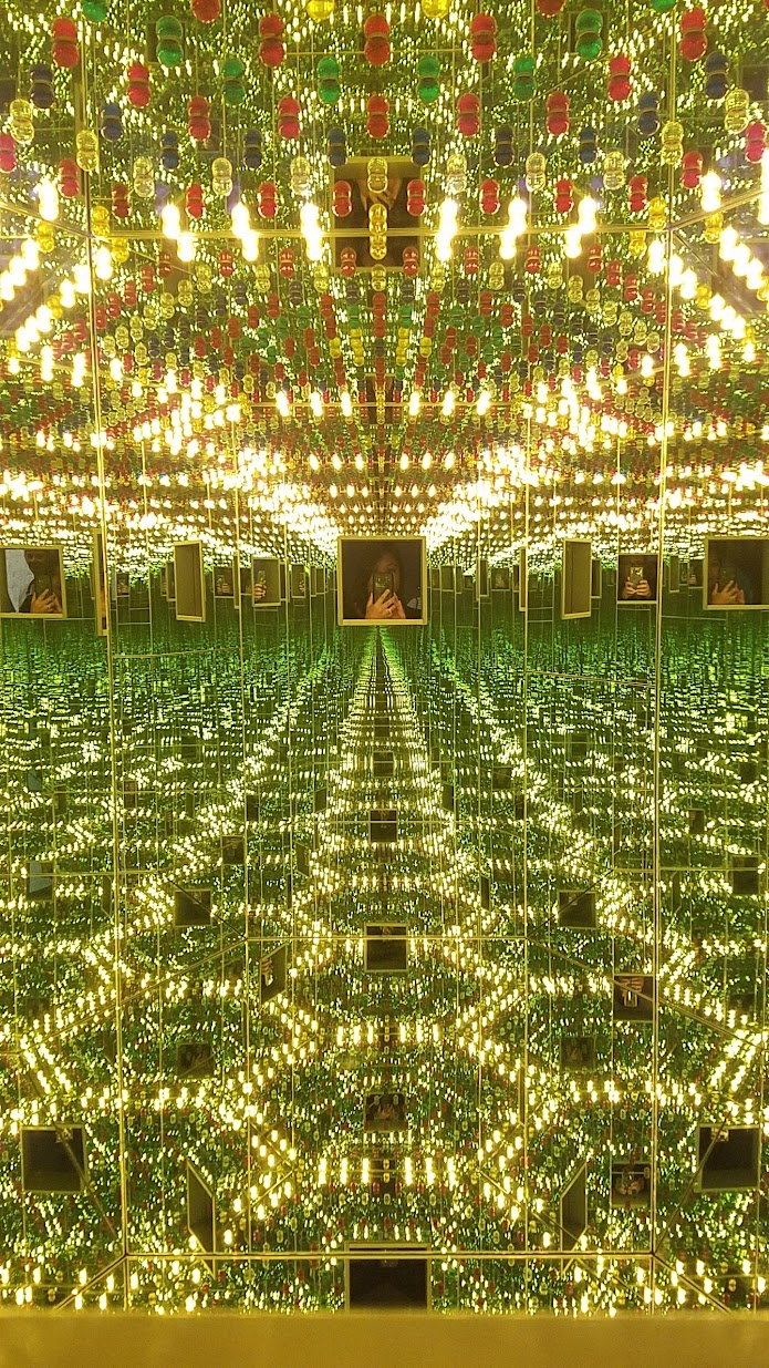 Visiting Yayoi Kusuma Infinity Mirrors at the Seattle Art Museum, Infinity Mirrored Room—Love Forever