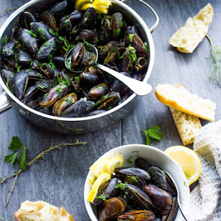 How to Cook Mussels with Garlic and Lemon Sauce Recipe