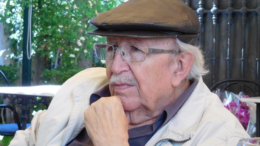 """Rafael Guillén, poeta de la """"Generación de los 50""""."""