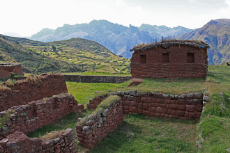 Photo: Edificación principal: Pared de las tres hornacinas  Huchuyqosqo (27 y 28 - Abril - 2013) Cusco