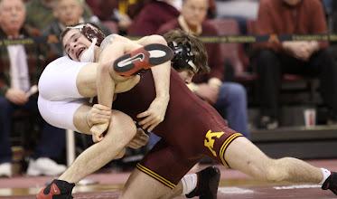 Photo: 141 Hunter Stieber (Ohio State) dec. Nick Dardanes (Minnesota) 11-8