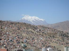 Photo: La Paz mit klassischem Blick zum Illimani
