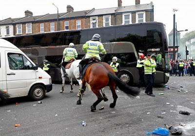 ENORME: La réaction de Januzaj et compagnie dans le bus durant l'attaque des supporters de West Ham (vidéo)