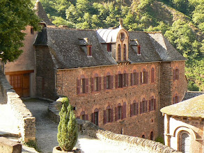 Photo: l' accueil hospitalier de Conques