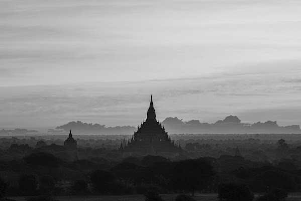 Bagan, Myanmar (spero che sia ancora in piedi...) di Cristhian Raimondi