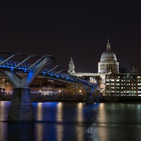 Millennium Bridge and Thames waterfront buildings by Augustin Galatanu - Buildings & Architecture Bridges & Suspended Structures ( london, millennium bridge, long exposure, st paul, night shot )