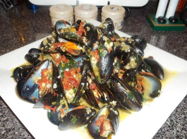 Roy's Bacon Mussels
