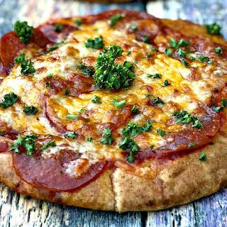Air Fryer 10-Minute Whole Wheat Pita Bread Pepperoni Pizza.