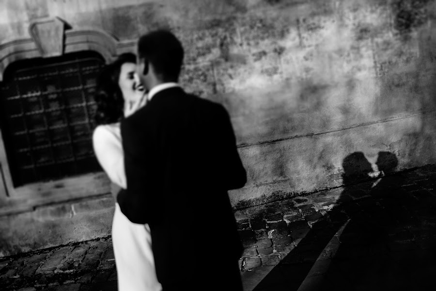 Fotógrafo de casamento Volodimir Vaksman (VAKSMANV). Foto de 18.04.2019